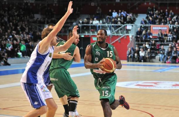 L'union Lourdes-Tarbes Pyrenees Basket (NM1) inked 28-year old Canadian forward Lien Phillip (203-89)